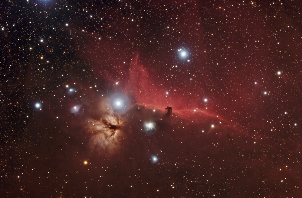Stare_B33_Horsehead_and_Flame_Nebula_LR